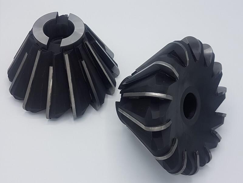 Fresa a manicotto raggiata Ø 165x30° raggio 12,5 con 14 taglienti saldobrasati in P25 per la lavorazione di acciaio bonificato